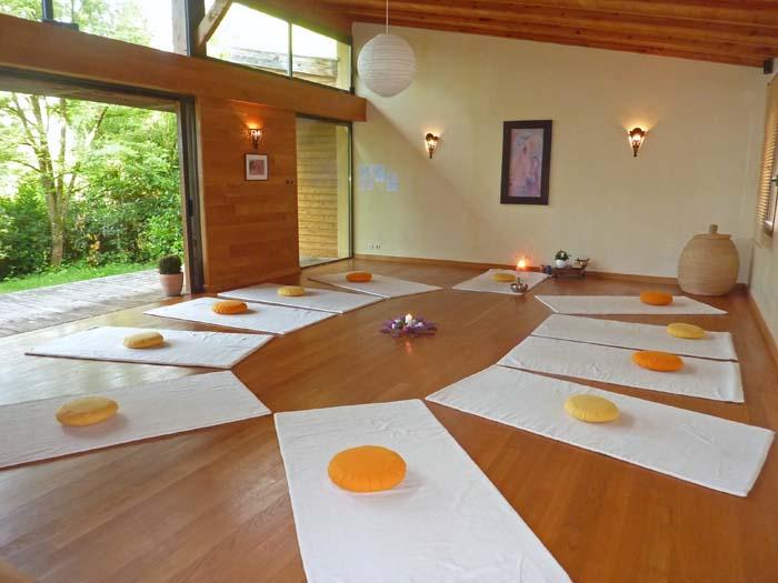 la salle miraba yoga cours de yoga rodez. Black Bedroom Furniture Sets. Home Design Ideas